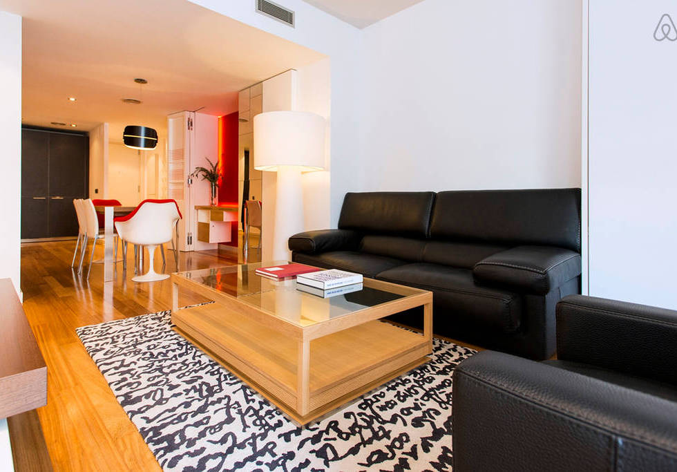 Two Bedroom Apartment With Balcony Pelayo 5 Rent Luxury Apartments In Barcelonarent Luxury